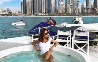 Работа для девушек в бахрейне башенный кран модели работа