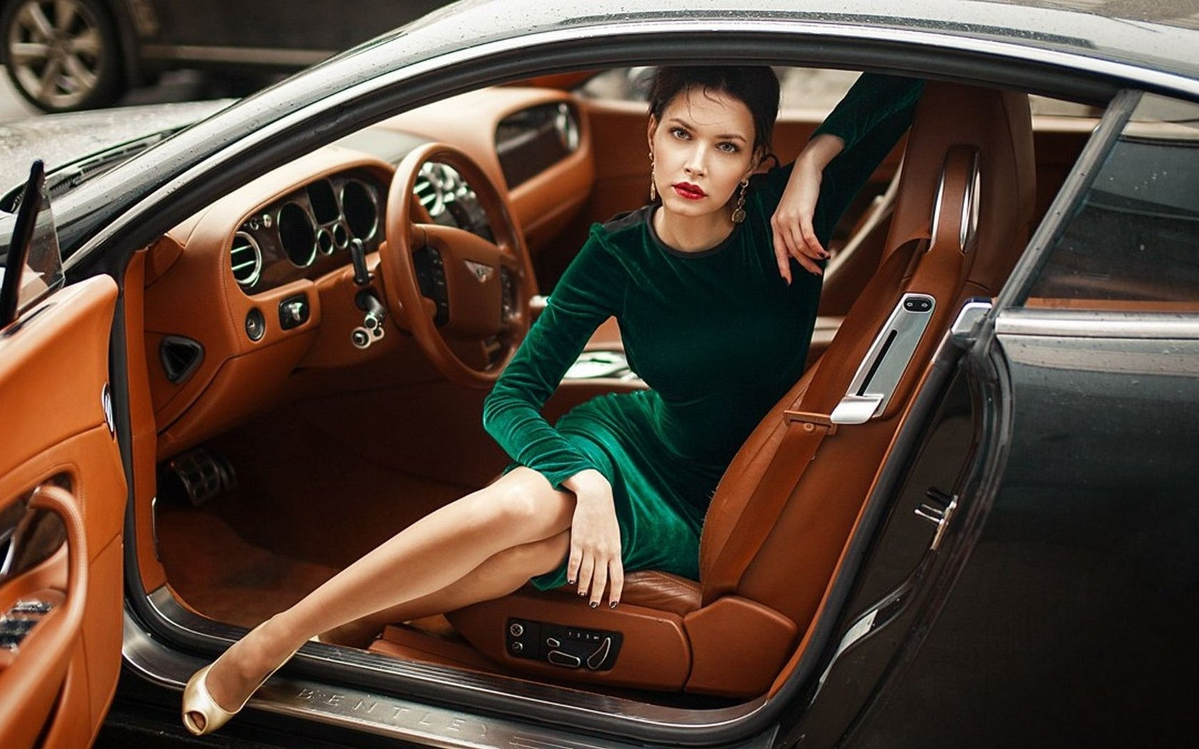 Дорогая работа для девушек работа девушка модель для мужчин в москве